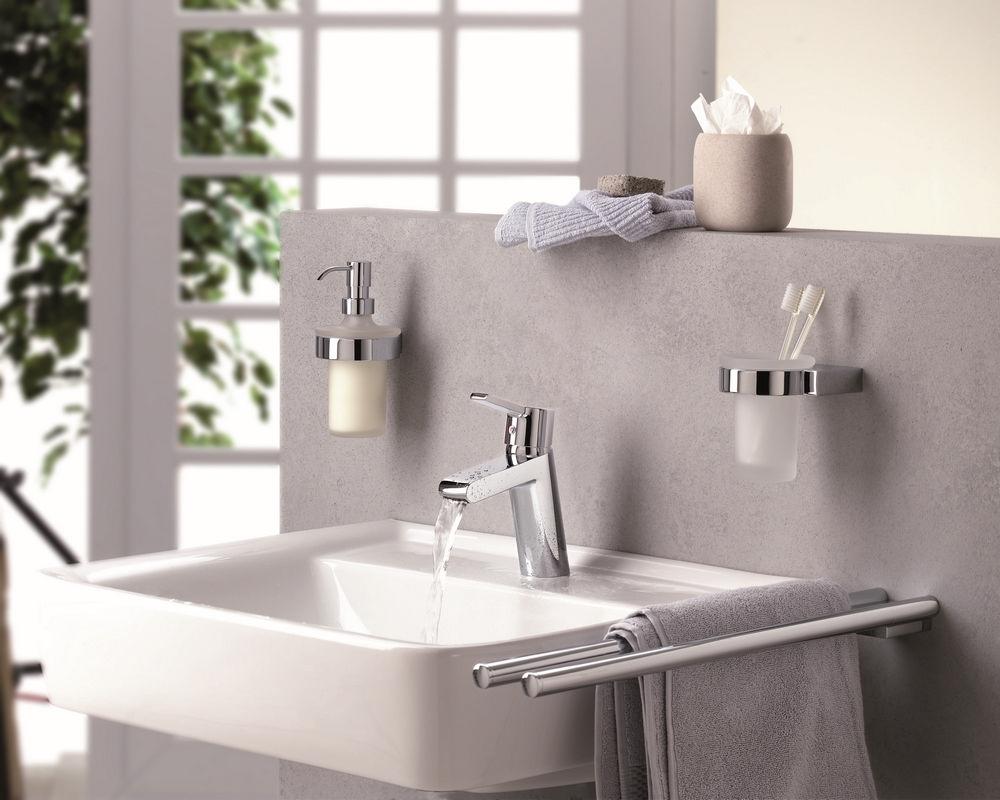 Аксессуары для ванной из нержавеющей стали